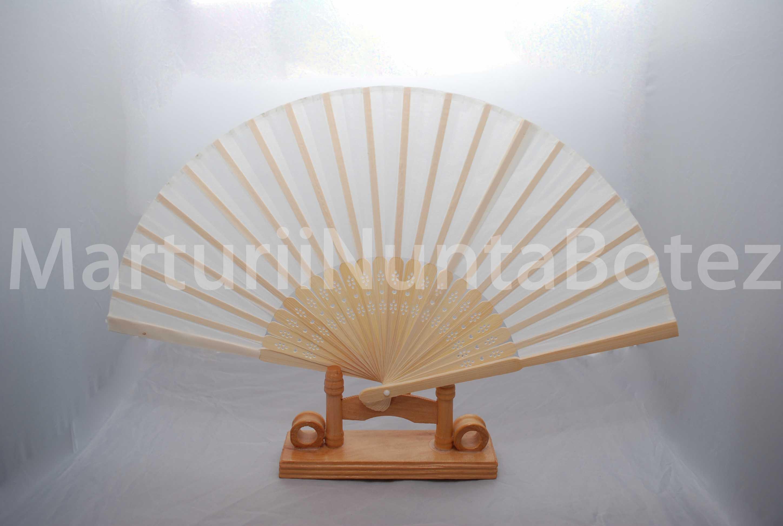 Marturii_nunta_marturie_botez_evantai_lemn_cu_material_textil2