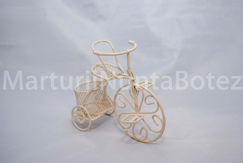 marturii_nunta_sau_botez_bicicleta_metal_alba_sau_crem6
