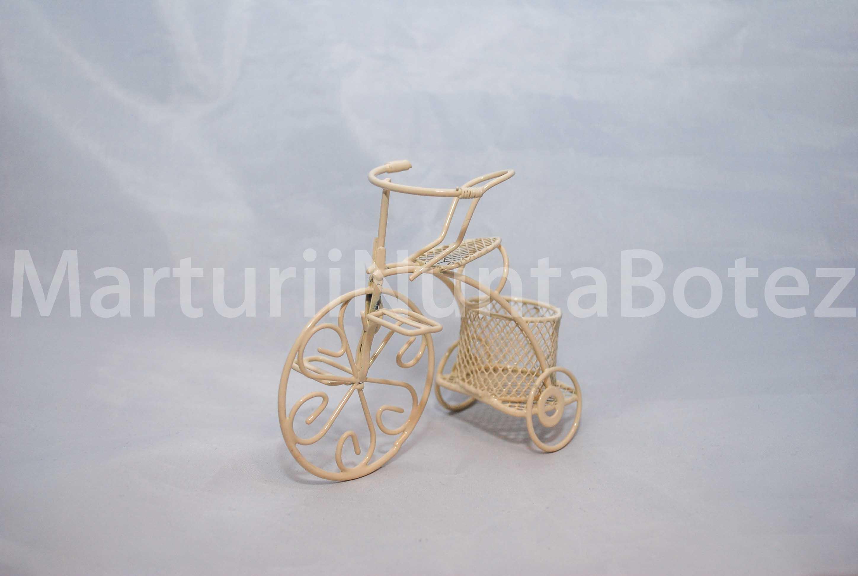 marturii_nunta_sau_botez_bicicleta_metal_alba_sau_crem8