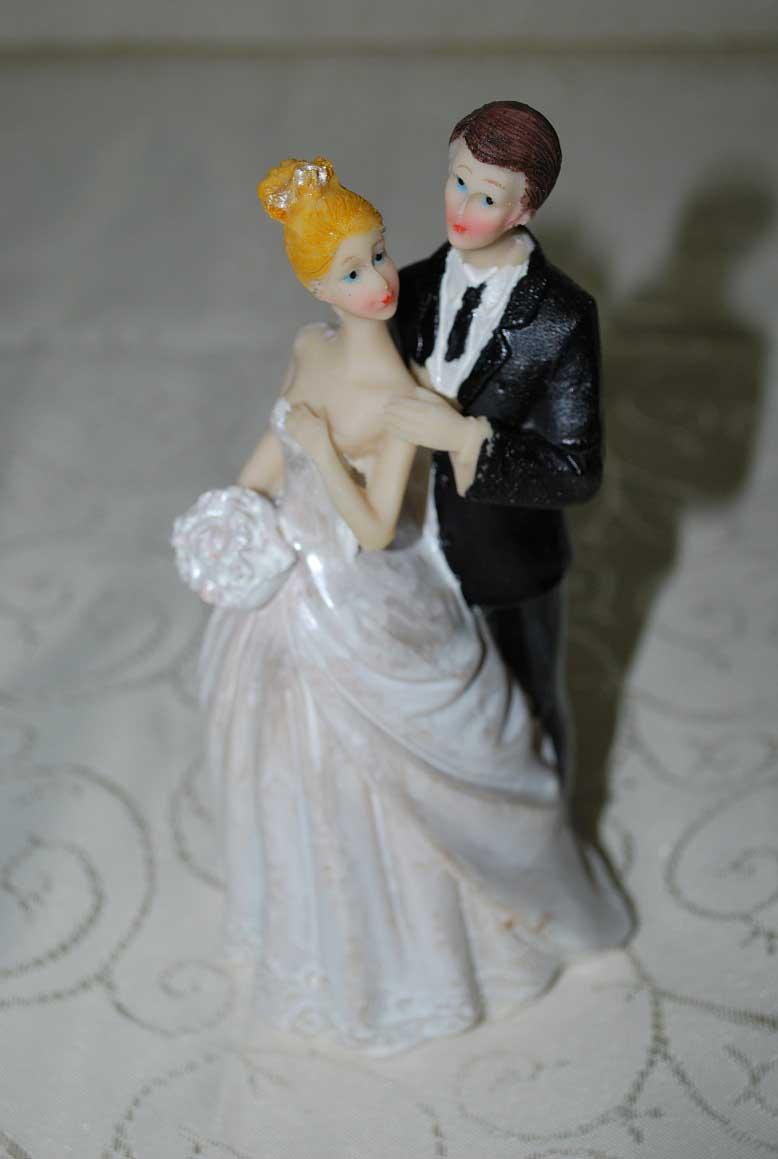 marturie_nunta_figurina_de_tort_pentru_nunta4