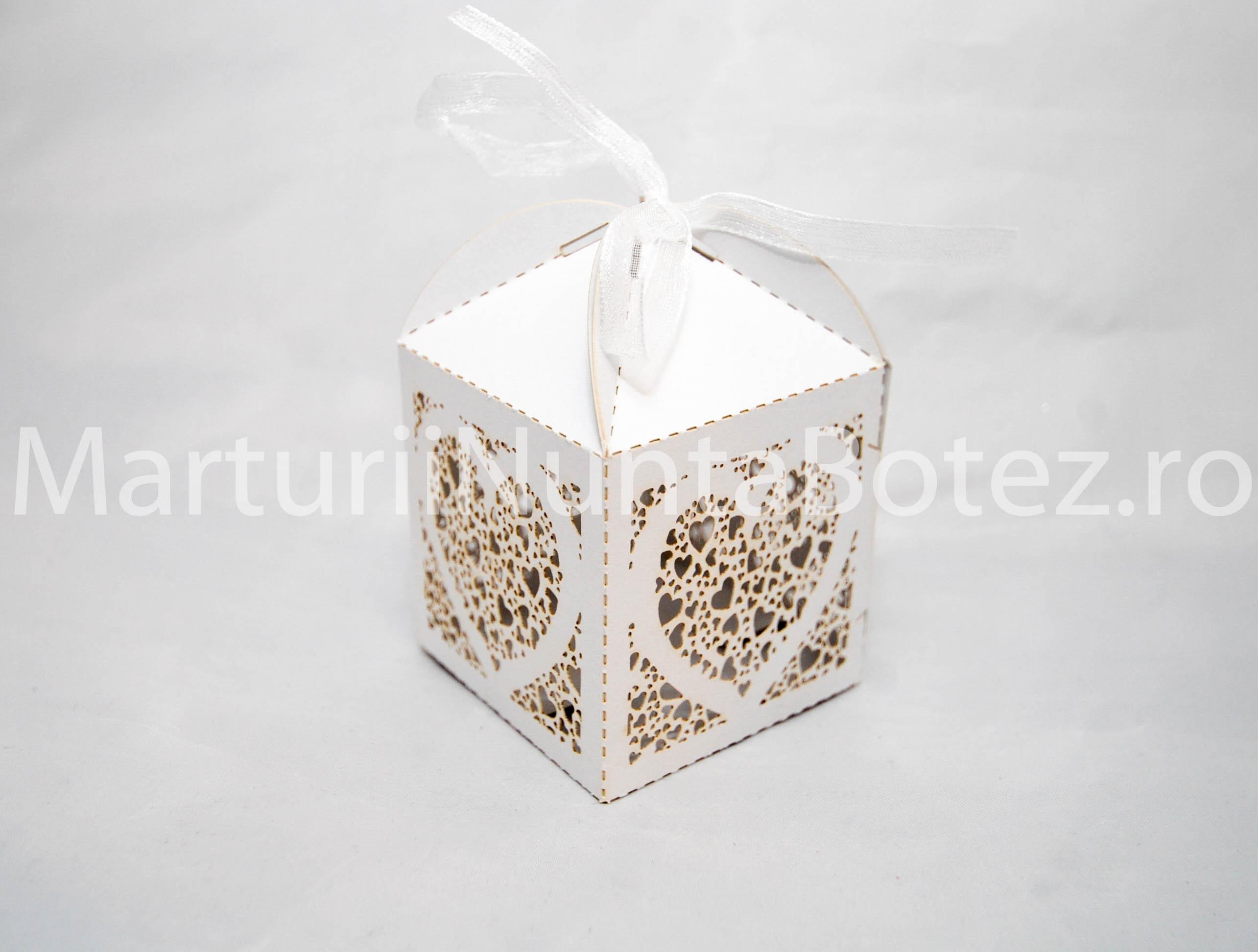 marturii_nunta_cutie_perforata_carton_model_inima_deosebita3