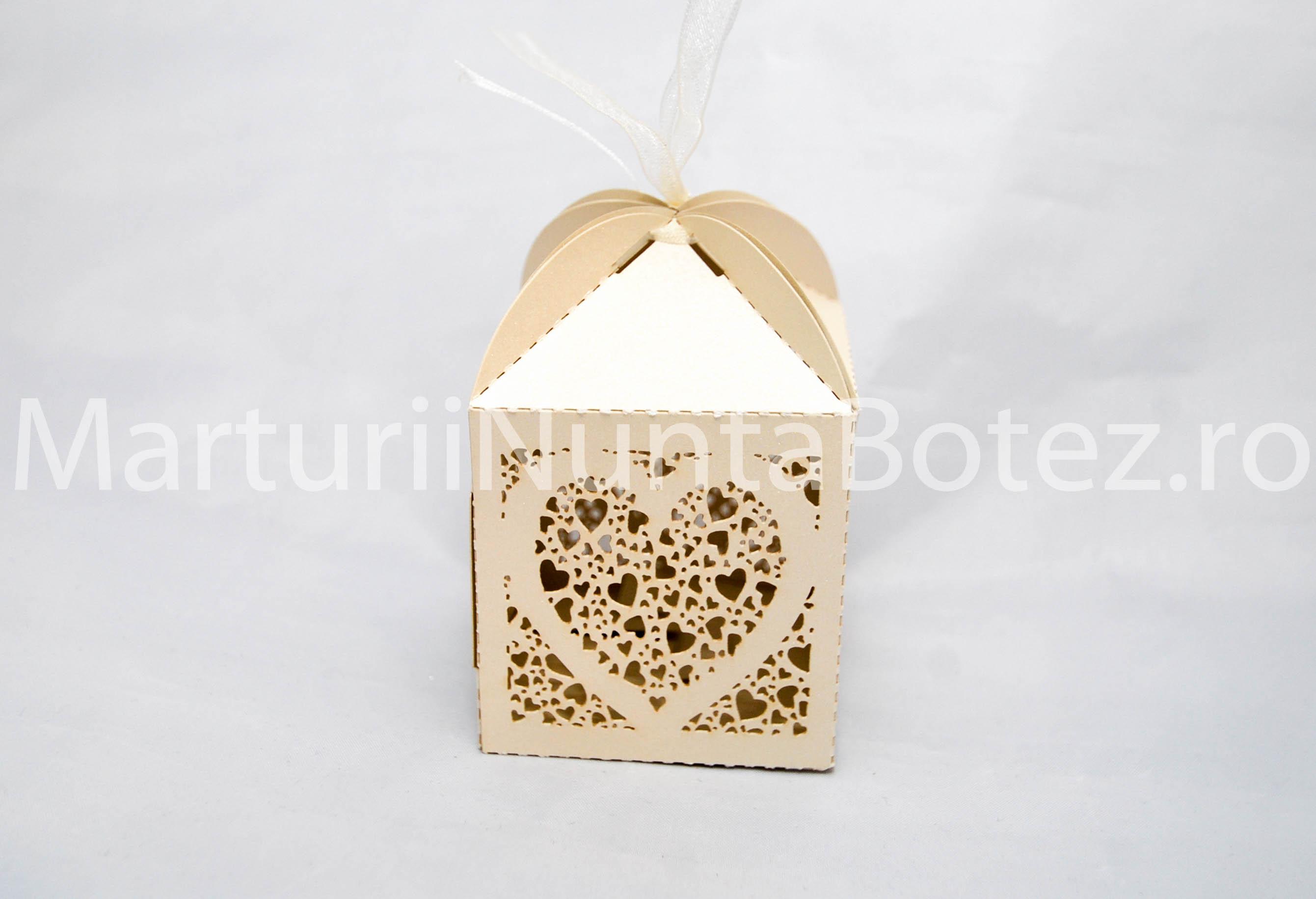 marturii_nunta_cutie_perforata_carton_model_inima_deosebita4
