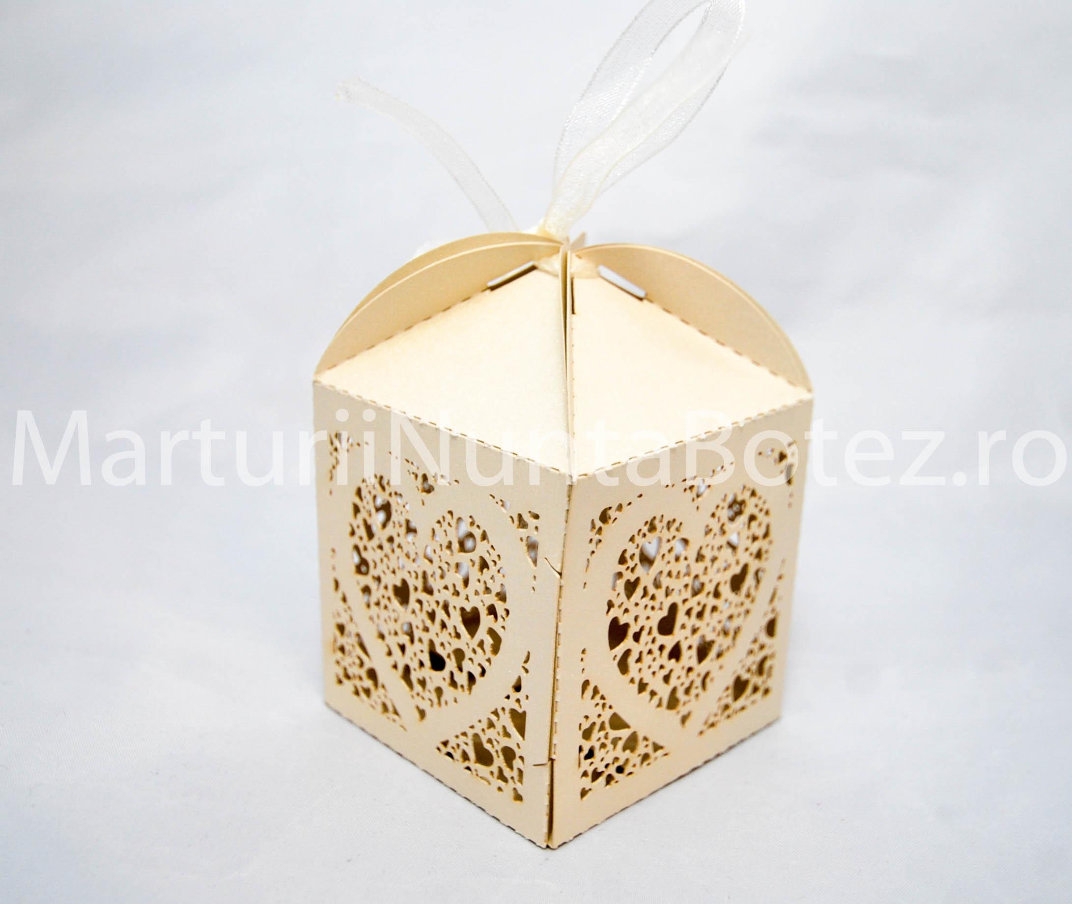 marturii_nunta_cutie_perforata_carton_model_inima_deosebita5